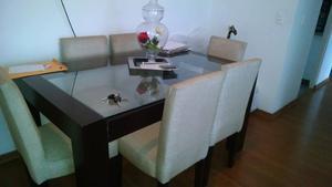 Sillas de madera con tapiz y espaldar de cuero posot class for Comedor 6 sillas usado