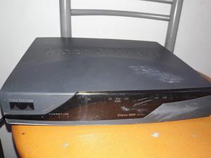 Router Cisco 877