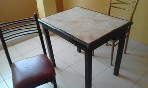 Mesa con Dos Sillas Remato