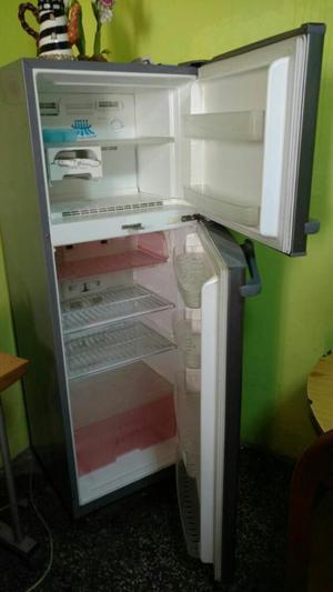 Refrigeradora Daewoo en Buen Estado