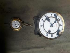 Antiguo Reloj de Pared Porcelanado