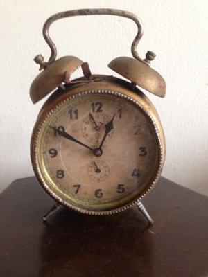 Antiguo Reloj Despertador Alemán Junghans
