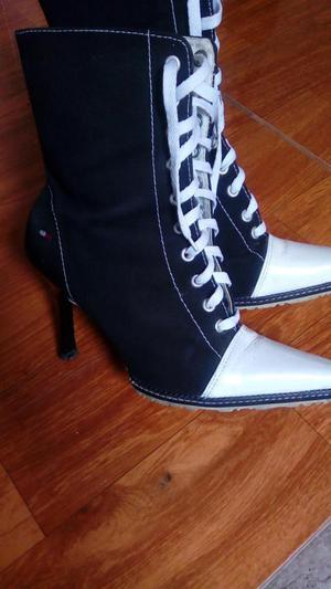 Botas zapatilla con taco marca Tommy Hilfiger Original