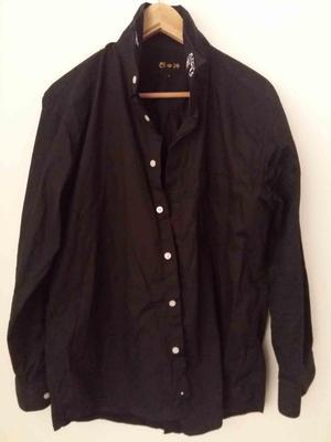 Camisa negra importada