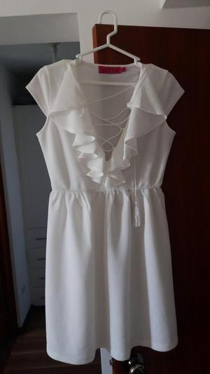 Vestido blanco nuevo, marca Boohoo Inglaterra
