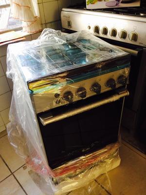 Cocina 4 hornillas SOLE NUEVA