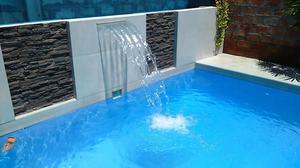 Piscinas con olas toboganes piscinas posot class for Piletas modernas