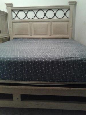 Juego de dormitorio queen ocasion por viaje posot class for Juego de dormitorio queen