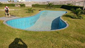 Rejilla perimetral de pvc para piscinas posot class for Construccion de piscinas en lima