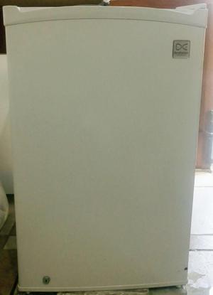 Frigobar Daewoo Blanco S/.350