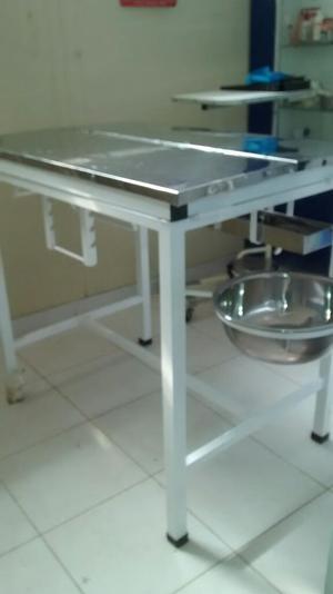 Mesa para Cirugia, con Porta Suero,...
