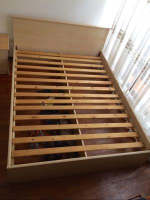 Nueva cama de madera queen con sabanera posot class for Cama queen de madera