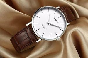 Reloj Ultradelgado Sinobi Modelo  Correa De Cuero