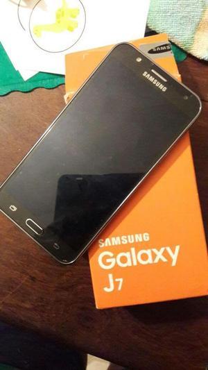Samsung Galaxy J acepto Moto x play o huawei Mate 7