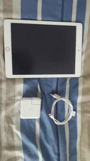 iPad Air 2 16gb Wifi Dorada Y Accesorios