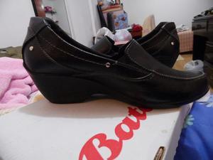 Zapato De Vestir Para Mujer Bata, Talla 36 Color Negro