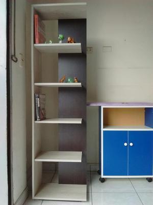 Moderno estante minimalista posot class for Estantes modernos