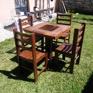 Juego de mesas y sillas de madera posot class for Mesas y sillas de madera