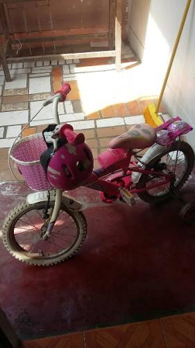 Bicicleta De Niña Con Casco Y Rodilleras