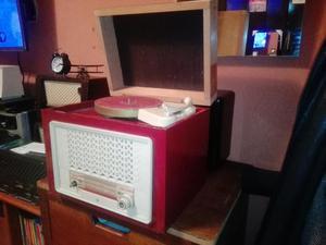 Antigua Radio Tocadiscos Philips