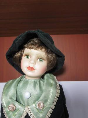 Muñeca De Porcelana Antigua Coleccion