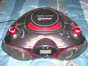 Radio Miray AMFM,lector de cds,rojo con negro,original
