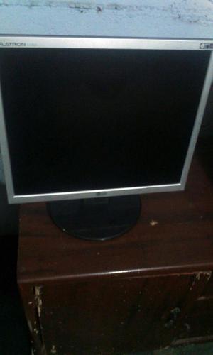 Rematando Monitor LCD 17 LG Faltrom LT en buen estado