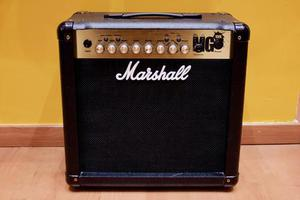 AMPLIFICADOR MARSHALL MG 15FX