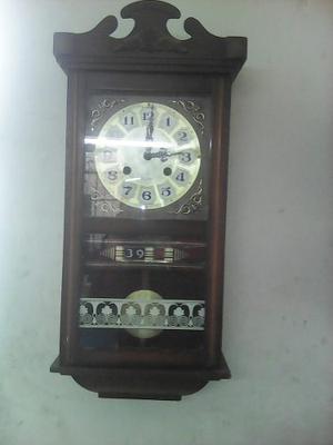 Antiguo Reloj A Cuerda Funcionanando