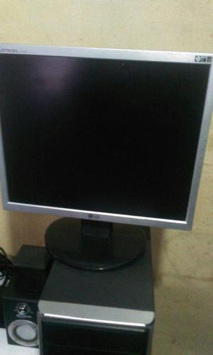 Monitor LCD 17 LG Faltrom LT en buen estado