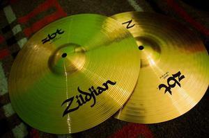 Hi Hat ZBT 14 Zildjian completamente nuevo