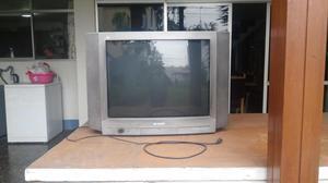 Remato televisor Sharp antiguo de 28 pulgadas a un buen