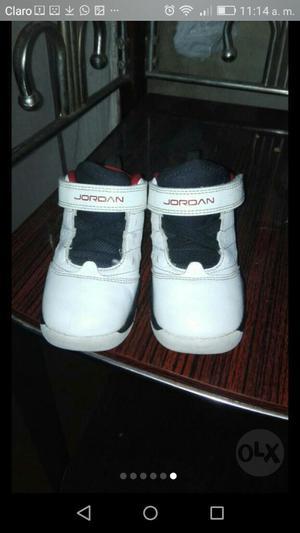 Zapatillas Jordan Y Conjunto Adidas