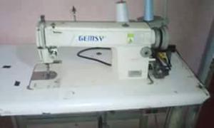 vendo dos maquinas de coser recta y remalle marca gensy a