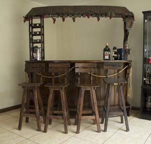 Bar de madera con peque os detalles 250 soles posot class for Bar hecho en madera