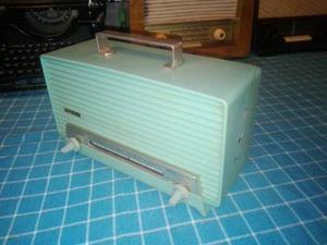 Antigua Radio Crown A Transistores