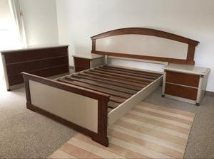 Juego de dormitorio en madera queen posot class for Juego de dormitorio queen