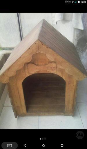 Casa de Perro de Madera