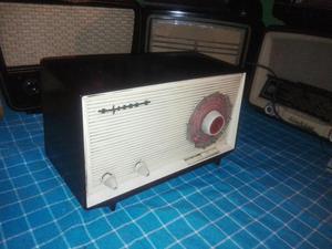 Antigua Radio Siera a Valvulas