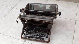 Antigua Maquina De Escribir De Fierro