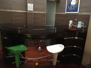 Mueble de cocina madera cedro alto y bajo remato posot class for Mueble tipo bar de madera