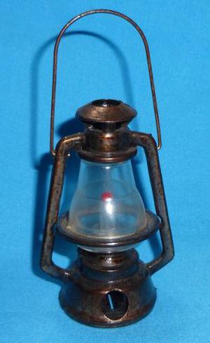 Antiguo Tajador Lampara Miniatura De Metal Vintage
