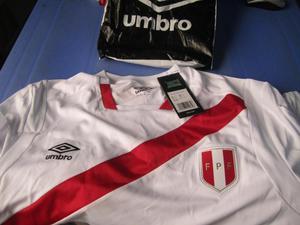 Polo Seleccion Peruana de Futbol