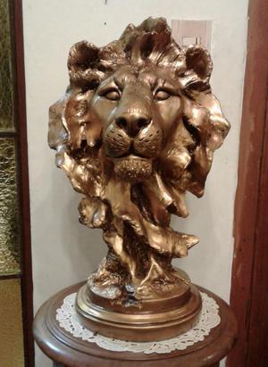 Cabeza de León de Resina