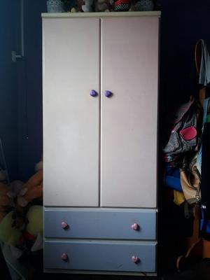 Cama con Escritorio Y Closet