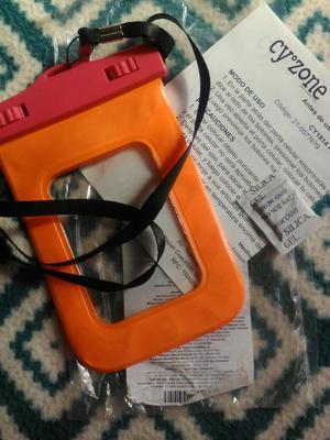 Protector de Celular para Piscina