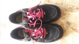 OCASIÓN: vendo zapatillas marca NIKE original y botas