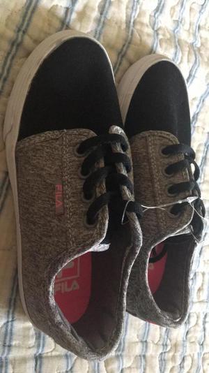 Zapatillas para Niño Fila Talla 32nuevas