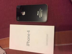 iPhone 4 de 8 gb,con regalo de 2 cases,usado pero en buen