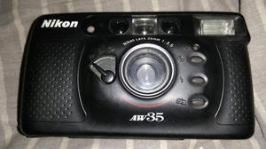 Cámara Fotografica Nikon Aw35 con Rollo